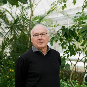 "Professor Paul Hebert, the ""father of DNA barcoding"", is attempting to classify all muticellular life"