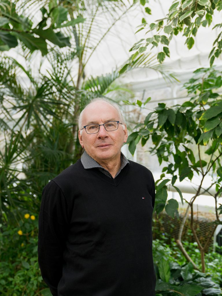 """Professor Paul Hebert, the """"father of DNA barcoding"""", is attempting to classify all muticellular life"""
