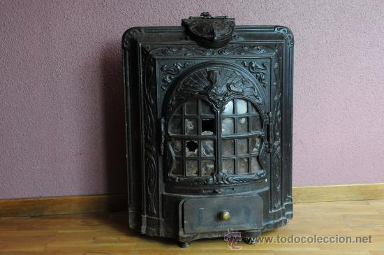 Cast iron stove from France with mica windows (last third of 19th century). (Picture: http://www.todocoleccion.net/estufa-antigua-salamandra~x24220386)