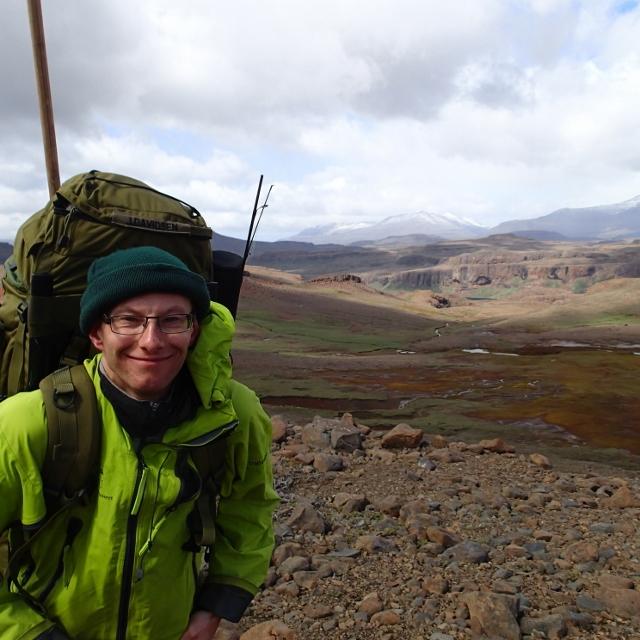 Bilde av forfatteren: Vanskelig ikke å være blid i de flotte fjellene på Kerguelen.
