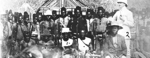 """Major Martin Gerhard Jyssums samling består av ca 50 gjenstander fra Belgisk Kongo. Her er våpen som piler, dekorerte dolker og økser som har tilhørt høvdinger i området. Forskjellige vakre <a href=""""https://blogg.vm.ntnu.no/sansogsamling/2011/02/15/en-liten-smak-av-afrika/#more-'"""" class=""""more-link"""">more »</a>"""