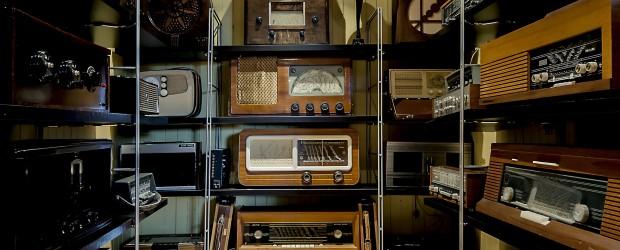 """Den som vokste opp etter krigen fikk oppleve radioens gullalder, som var i perioden 1945 – 1960. Kreativiteten og fantasien ble trigget ved å lytte på radio og bildene ble <a href=""""https://blogg.vm.ntnu.no/sansogsamling/2012/09/27/radiodilla/#more-'"""" class=""""more-link"""">more »</a>"""