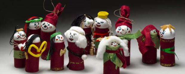 """I desember 2012 inviterte NTNU Vitenskapsmuseet til nissedugnad. Resultatet ble over 250 flotte dorullnisser i alle farger og fasonger. Nissene er nå innlemmet i utstillingen «Fra sans og samling», som <a href=""""https://blogg.vm.ntnu.no/sansogsamling/2012/11/19/byrekord-i-dorullnisser/#more-'"""" class=""""more-link"""">more »</a>"""